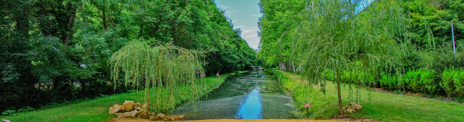 Camping avec étang de pêche Dordogne