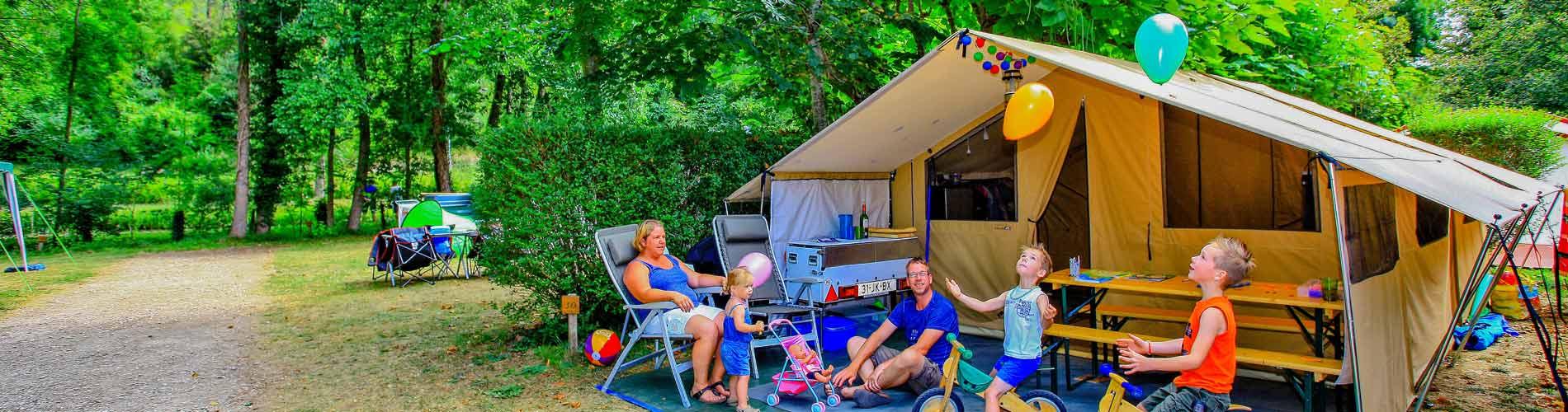 Tarifs camping dordogne tarifs des locations de vacances mobil home perigord for Camping dordogne avec piscine pas cher