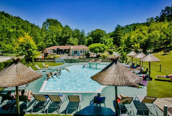 Camping 4 toiles dordogne perigord noir vacances for Camping ferme dordogne avec piscine