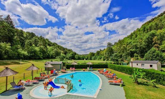 Camping avec piscine 4 étoiles Dordogne